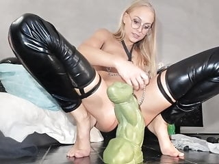 ass stretching while wearing clamps webcam films